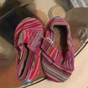 Baby's girls pink striped Toms sz 4.5